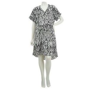 LOGO Lori Goldstein Black & White Blouson Dress